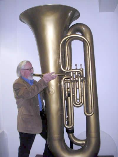 Tuba gigante